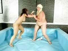 Female heavyweight wrestling @ bbw..