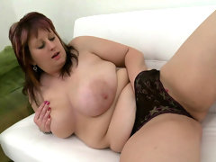 Masturbating fat girl moans loudly in..